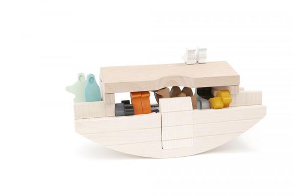 Holzboot Arche Noah Bajo